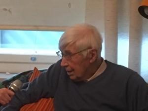 Haastateltavana Ilmarisen uppoamisesta selvinnyt Lauri Pätäri.