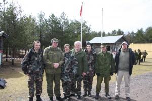 Kilpailun osallistujia ryhmäkuvassa