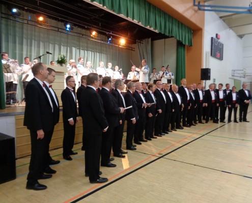 Maamme laulu Maanpuolustusjuhlassa, kuva Erkki Naumanen