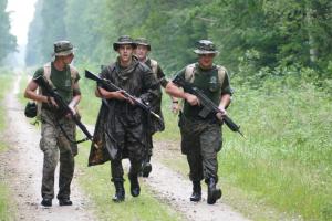 Virolainen kilpailujoukkue etenee.