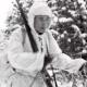 Suomalaisia sotilaita hiihtämässä